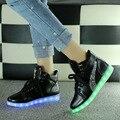 Moda 8 Colores LED Luminoso Zapatos de 2017 Mujeres de Los Planos de Carga USB luces LED de Colores Zapatos de Deporte Zapatos Para Caminar
