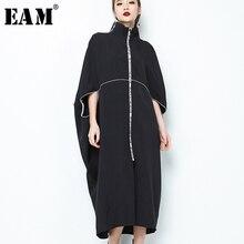 [EAM] 2020 Neue Frühling Stehen Kragen Langarm Schwarz Brief Zipper Unregelmäßigen Großen Größe Solide Kleid Frauen Mode flut JE65001