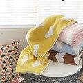 Зимнее толстое Двухслойное мягкое вязаное одеяло из органического хлопка с сердечками для мальчиков и девочек 90х110см детское одеяло на зад...