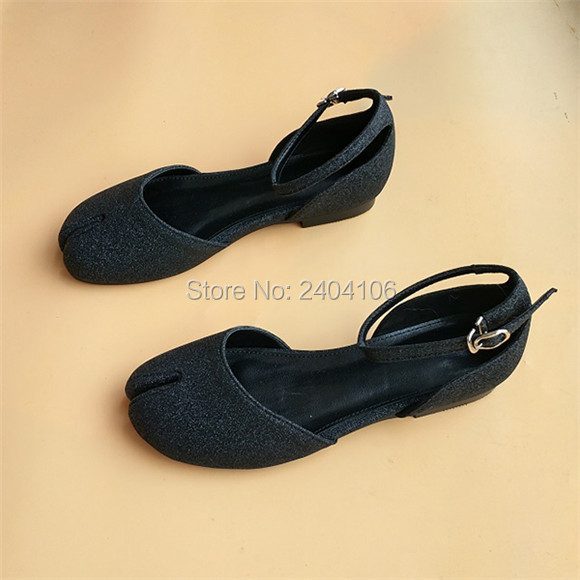 2f3052322c82 Zapatillas Mujer 2018 Black White Pink Hoof Split Toe Ballet Shoes Woman  Cleft Flat Shoes Casual