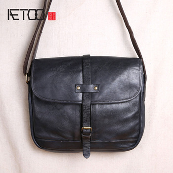 AETOO Original handmade mens bag leather retro vegetable tanned shoulder Messenger head layer casual