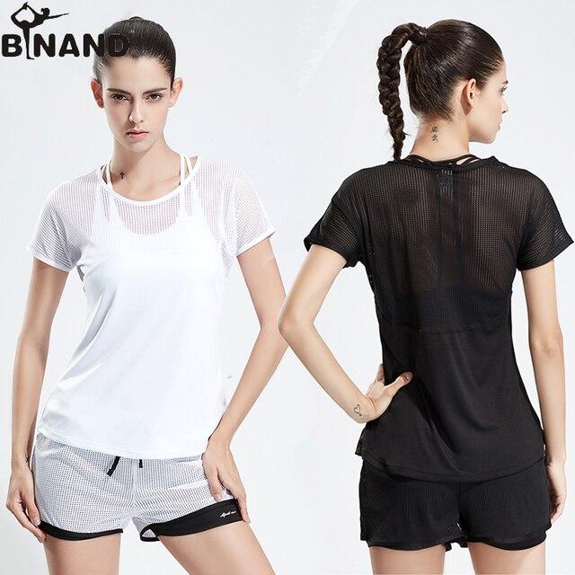 BINAND ספורט חליפת נשים Mesh טלאים עגול צווארון רך יוגה חולצה + שרוך Wasitband ריצה חדר כושר כושר אימון מכנסיים קצרים