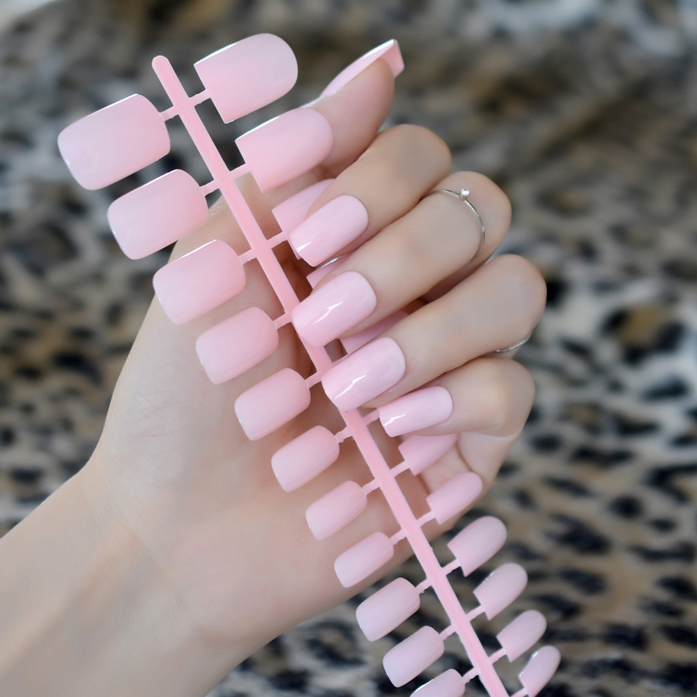 Fashion Light Pink UV Gel Fake Nails Medium Square Candy Manicure Products Elegant Lady Daily Wear False Nail Point 24Pcs 200M