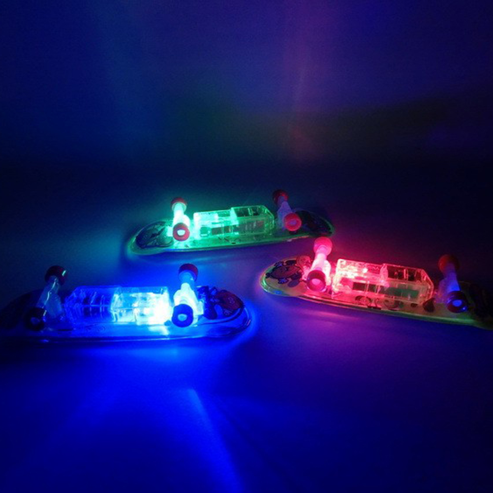 2017 LED Mini Skateboard Toys Finger Board Boy Kids Table Game Finger Skateboard Toy LED Flashing Gift Random Color