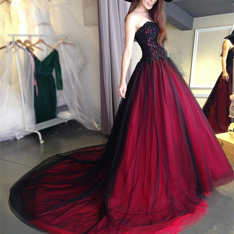 2018 Sexy Gothic wedding dress black and red Sweetheart Beading Lace Up Long Black Burgundy Bridal