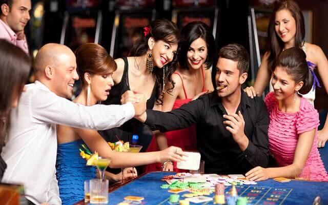 二人斗地主赌博游戏