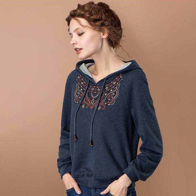 ARTKA Women's 2018 Autumn New Solid Color Ethnic Embroidery Hoodie Vintage Hooded Long Sleeve All-match Comfy Hoodie VA10071C