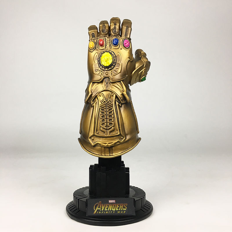 Thanos Infinity Gauntlet Avengers Infinity War Superhero PVC Action Figures toy Iron Man Anime Avengers Thanos Movable Doll Gift marvel avengers infinity war thanos gauntlet action figures cosplay superhero iron man anime avengers thanos glove