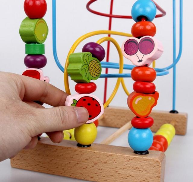 Contagem de UTOYSLAND Fruit Bead Labirinto Fio Montanha Chilrden Conhecimento Precoce Brinquedos de Madeira Do Bebê Do Bebê