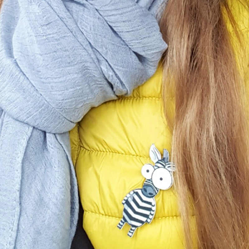 2018 ใหม่มาถึงการ์ตูนภูมิแพ้ฟรีกระเป๋าเป้สะพายหลังสัตว์ 1PC น่ารักลิงสิงโตอะคริลิคเข็มกลัดเสื้อผ้าผู้ชายผู้หญิงหมวกแฟชั่นเครื่องประดับ