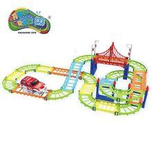 78db / szett Magic Track műanyag oktatási környezetvédelmi szerelvény DIY rugalmas versenypálya LED-es autós betűkkel Játékok fiúknak