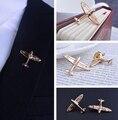 2 pcs/par aeronave broches homens terno banhado a ouro broche man lapela pinos de casamento PIN broche pinos homens de colarinho terno Dressup