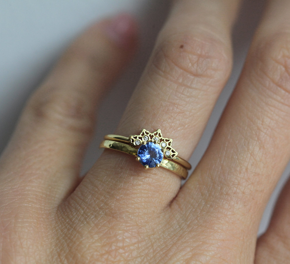 trend ideas white natural pict for engagement gold marvelous bands bluish ring violet tanzanite and in wedding