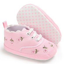 Newborn baby girl shoes handmade embroidery flower Soft Sole comfortable cute Toddler casual