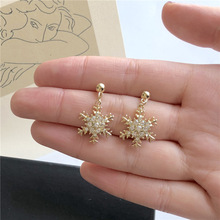 Simple Rhinestone Snowflake Dangle Earrings Fashion Gold Color Geometric For Women Jewelry Accessories boucle doreille