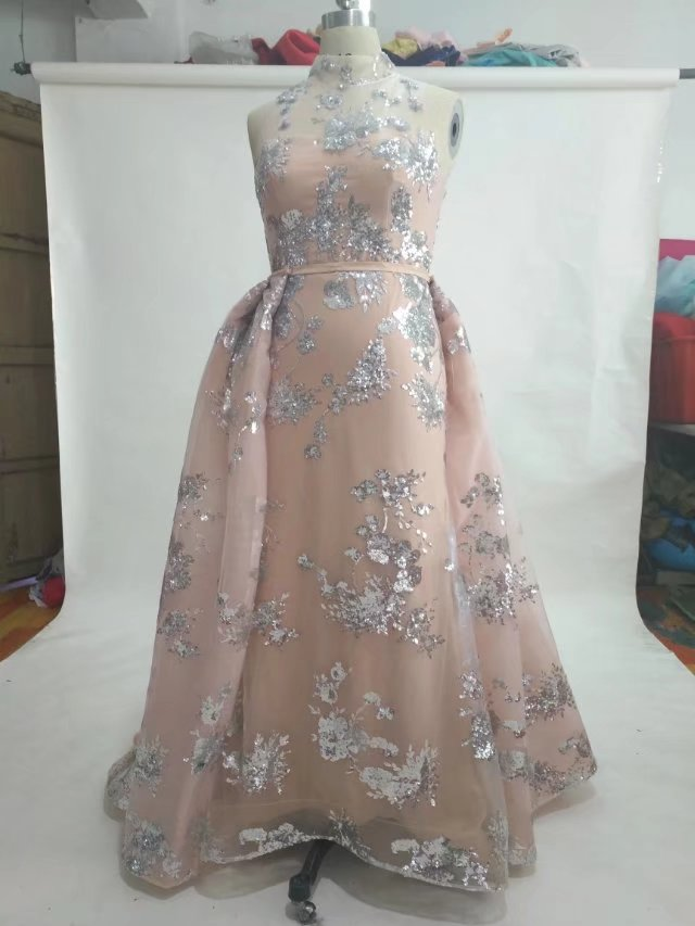 Brilliant shinning stunning silver sequined flowers A-line sleeveless pink middle east wedding dress 2017 new fabric high neck