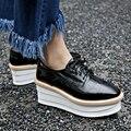 Aiweiyi black white genuine oxfords de couro sapatos lace up plataforma sapatos de Sola Grossa Cunhas Senhoras Bombear Sapatos Tamanho Grande Casuais 43