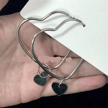 European And American Fashion New Earrings Geometric Simple Temperament Hollow Love Street Shooting Ladies Wholesale