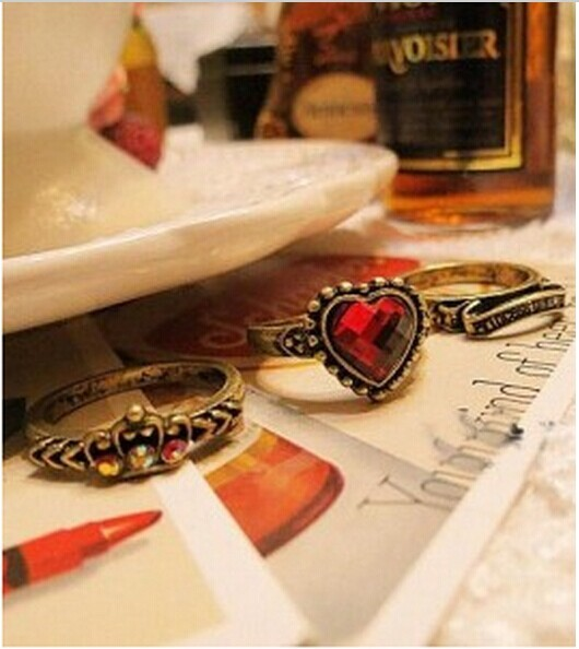 European and American retro personalized trinkets female Fangzuan red hearts crown three-piece ring   CRD38