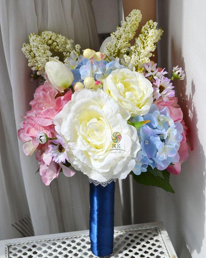 main fleurs artificielles mariée demoiselle d'honneur tenant des