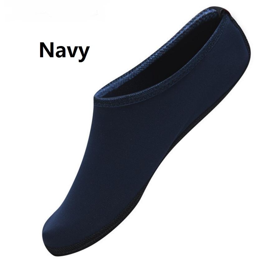 efb7138076a51 Été nouvelle Chaussure femmes chaussures d eau Aqua pantoufles pour  Couple amoureux plage sans lacet parc aquatique sandales Sandalias Mujer  dans Femmes de ...