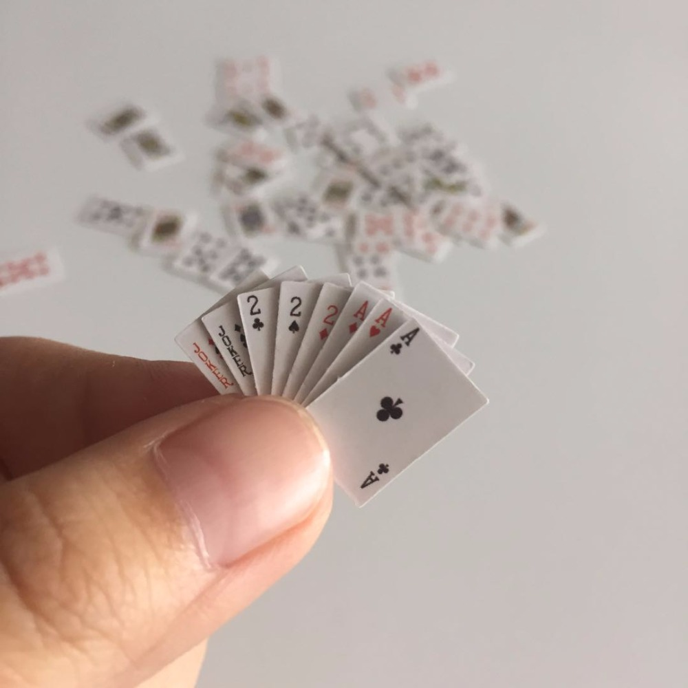 1:12 Doll House Poker Miniature Playing Cards Game Model for BJD Kurhn Barbie Mini Cute Poker Dollhouse Accessories