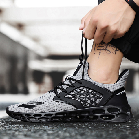 New Spring 2019 Hot sale Comfortable Running Sports For Men Outdoors Activities trainers Wear-Resistant Breathable man Sneakers Lahore