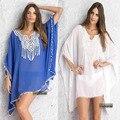 2017 mulheres beach dress praia túnica verão vestidos soltos mulheres desgaste praia blusa de crochê v pescoço chiffon