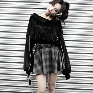 Image 2 - Nouveau gothique printemps automne gris Plaid jupes Shorts femmes plissée jupe courte Punk fille s jupe courte a ligne Mini jupe