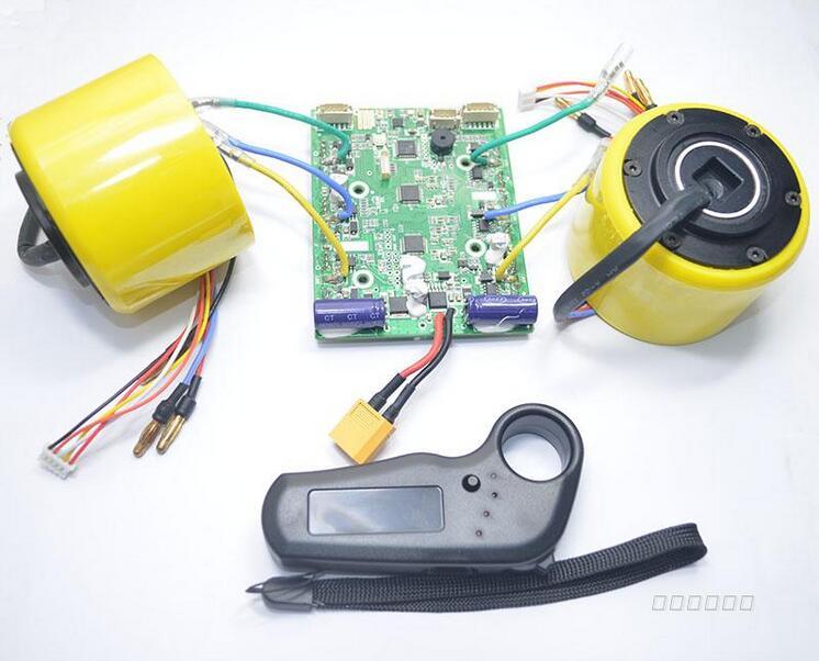 Kit de moteur de moyeu de Longboard électronique roue de moteur sans brosse de planche à roulettes avec la télécommande d'entraînement de double moteur de panneau électrique de camion