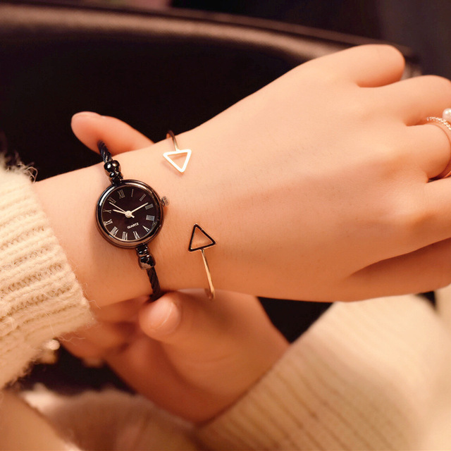 Ins hot exquisite bracelet women watch retro fashion simple small watches women