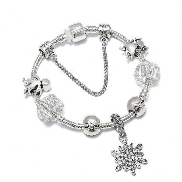Schmuck Weihnachten.Us 1 99 Spinner Weihnachten Diy Charme Armband Schneeflocke Anhänger Romantische Kleiner Junge Und Mädchen Marke Armband Frauen Schmuck