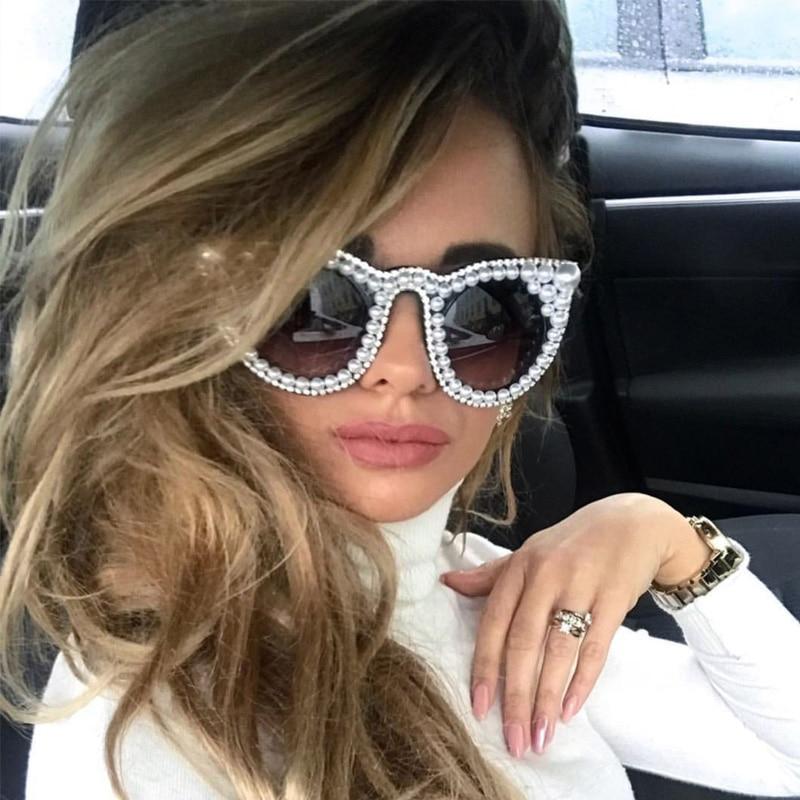 2018 new Designer Oversized Women Pearl Sun Glasses Cat eye Diamond Large Shades Fashion Classic Unique UV400 Party Female