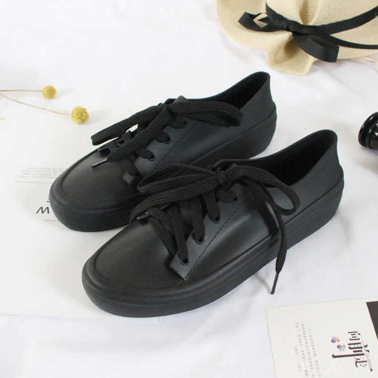 SWYIVY/женские резиновые непромокаемые сапоги; водонепроницаемая обувь на плоской подошве; Новинка 2019 года; сезон весна; черные/белые кроссовки; женские повседневные резиновые сапоги; 40