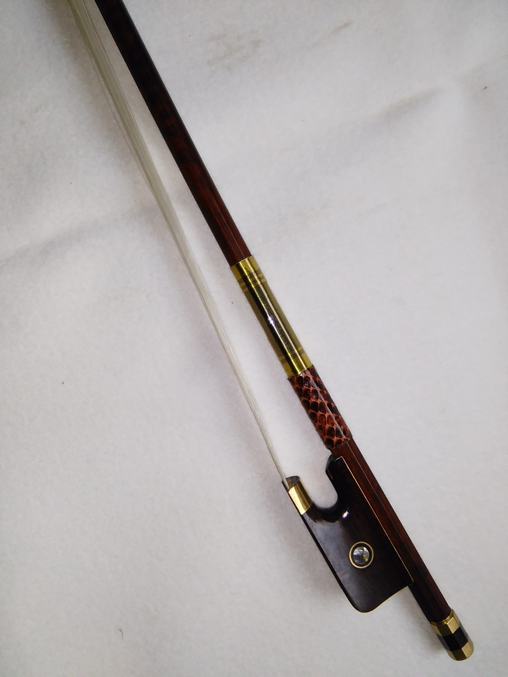 все цены на 1 PC Quality Snake wood Cello Bow white horse hair ebony frog 4/4 онлайн