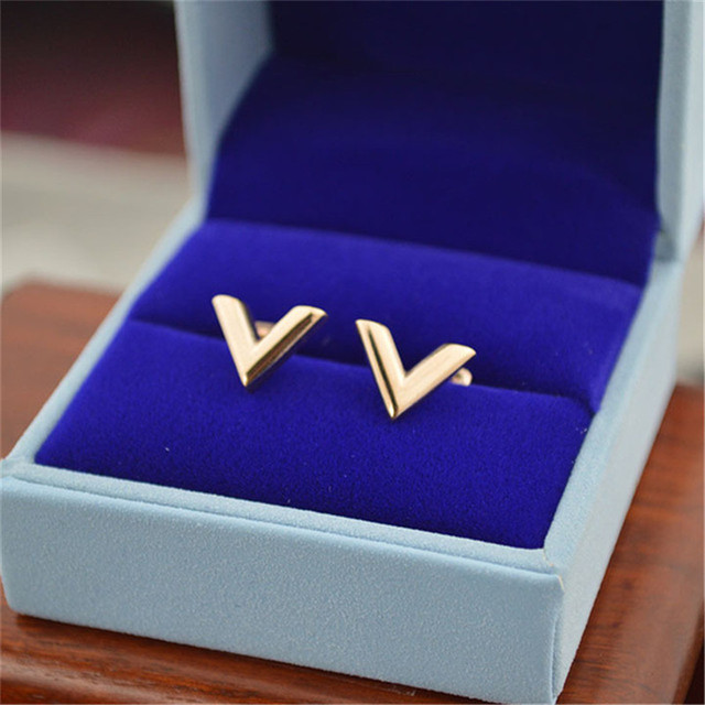 Martick Free Shipping Geometric Earrings For Women Europe Brand V Letter Triangle Cute Stud Earrings Jewelry Gift E157