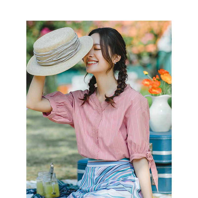 INMAN Summer V-neck Literary Retro Striped Loose All Matched Half Sleeves Women Shirt