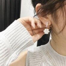 Neue Ohrringe Mode Schmuck Persönlichkeit Einfache Joker Kristall Imitation Perle Weibliche Aussage Ohrringe Für Frauen Großhandel
