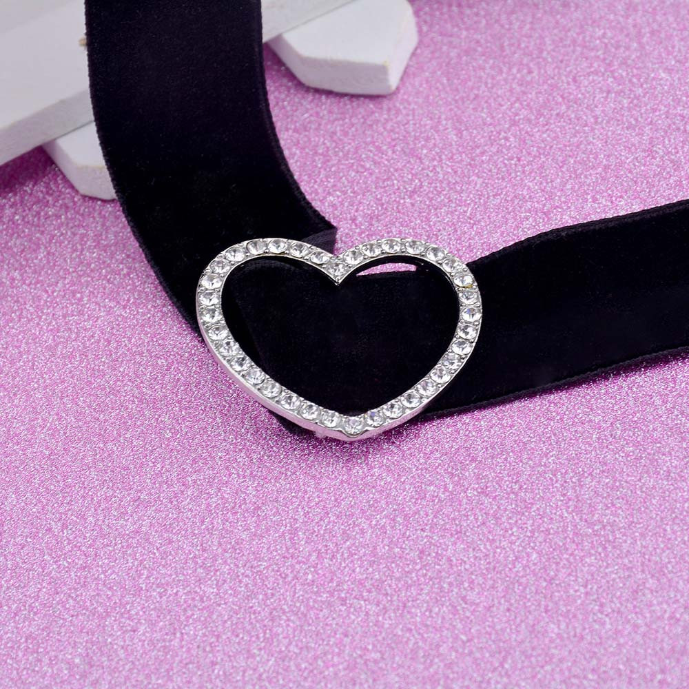 4d480f2dbab9d US $1.05 34% OFF|Vintage Velvet Gold color Heart Short Choker Necklaces For  Women Jewelry Female Chokers Necklaces Chocker Collier #7 8-in Choker ...