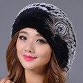2016 Nueva Genuina Del Conejo Rex Fur Gorros Sombrero de Invierno Mujer Elegante Sombrero Caliente Gorras de Rayas Casual Moda Femenina Tapas de Rusia