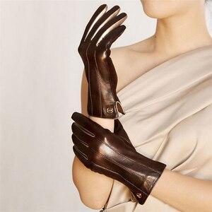 Image 3 - Mode Vrouwen Schapenvacht Handschoenen Hoge Kwaliteit Lederen Vijf Vinger Twee Tone Elegante Winter Dame Rijden Handschoen EL031NR