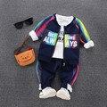Más nuevo 2017 de Primavera Niños Ropa Conjuntos niños Bebés Niñas Trajes de Algodón Casual Abrigos + T Shirt + Pants 3 Unids arco iris de colores Juegos de Los Cabritos