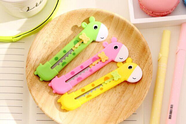 Fashion Candy Color Giraffe Shape Alloy Steel Utility Knife Students' Paper Envelope Art Knife DIY Tool 10x1.5cm