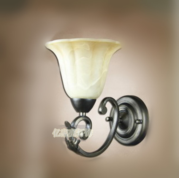 ФОТО European style wall lamp iron lamps Rome single head lamp lens headlight aisle lighting