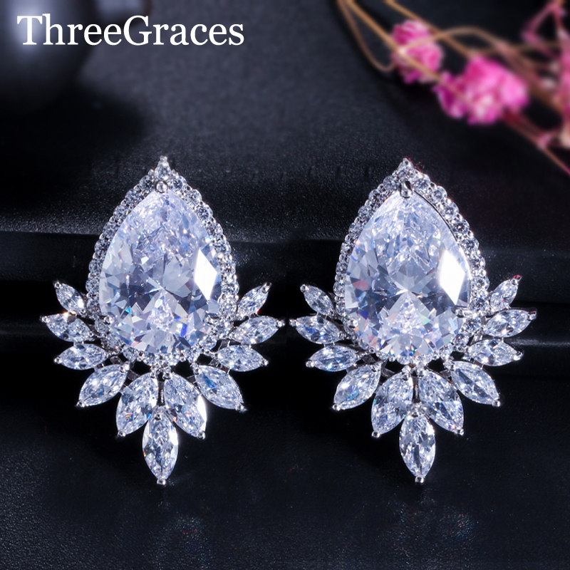 ThreeGraces Elegant Women CZ Diamante Jewelry Clear White Cubic Zirconia Big Water Drop Leaf Stud Pendientes para fiesta ER302