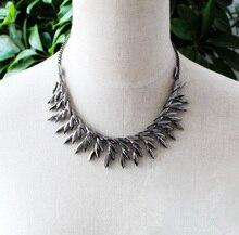 New Lady Silver Gray Chain Rhinestone Leaf Wreath Cluster Pendant Statement Choker Bib Short Necklace For Women Fashoin Jewelry