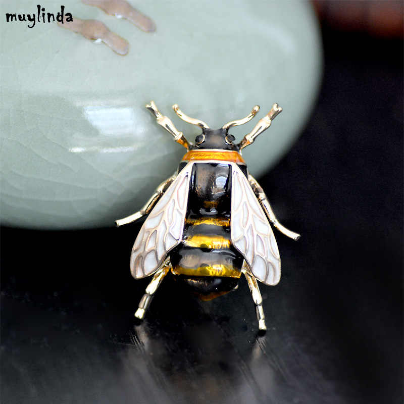 0e30d34dcf0 ... Fashion Enamel Bees Metal Mini Brooches Pins Men Women Suit Brooch And Pin  Broach Metal Buttons ...