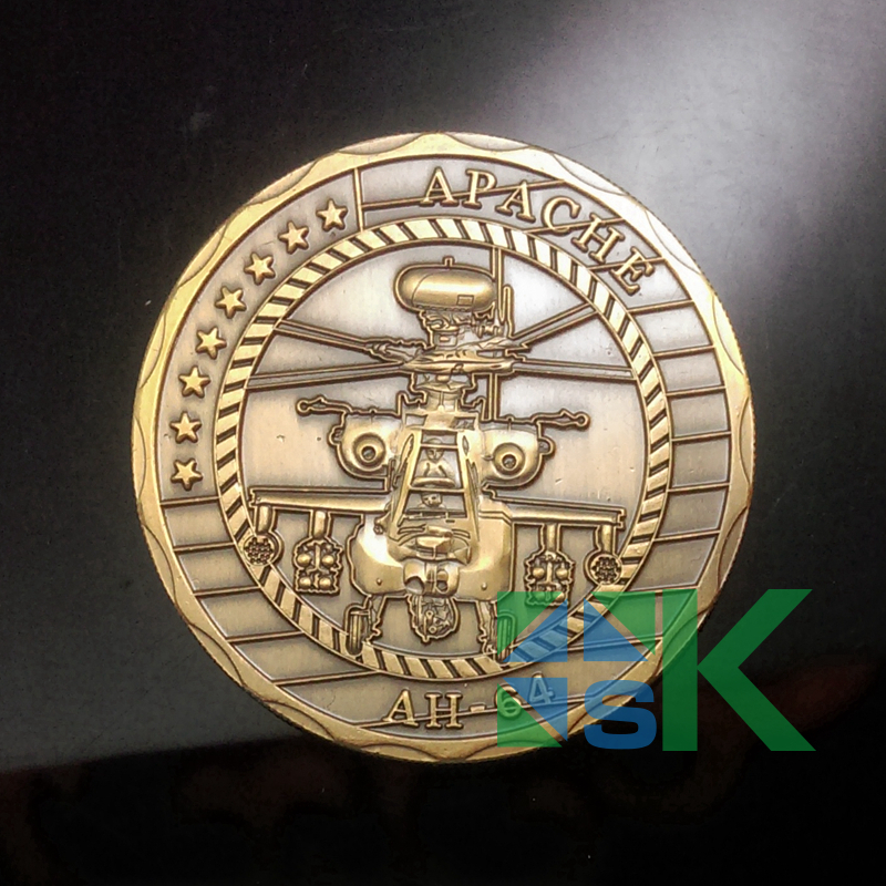 1pcs Apache Helicopter AH64 Army Challenge Coin of United States Antique Gold Plated Coins 40*3mm