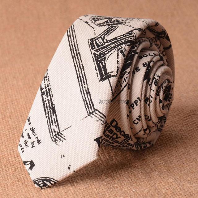 Blanco Delgado Corbata Lazos de Los Hombres de Letras 5 cm Algodón 2016 nuevo Diseño Para Hombre Flaco Corbata Ropa de Verano Estilo de La Manera Estrecha Garavatas