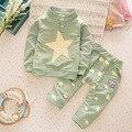 2016 Niños niñas ropa set niños deportes traje niños chándal niñas camiseta del bebé sudadera estrella de Cinco puntas ocasionales ropa